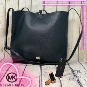 Michael Kors Junie Messenger Tote/Handbag